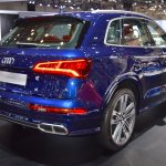 2017 Audi SQ5 rear three quarters right side at 2017 Dubai Motor Show