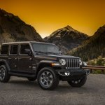 2018 Jeep Wrangler Unlimited Sahara front three quarters
