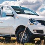 2018 Mahindra Genio single cab variant