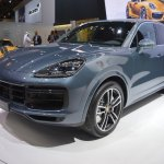 2018 Porsche Cayenne Turbo front three quarters left side at 2017 Dubai Motor Show