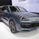 2018 Porsche Cayenne Turbo front three quarters right side at 2017 Dubai Motor Show