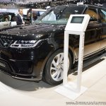 2018 Range Rover Sport at Dubai Motor Show 2017 front three quarters