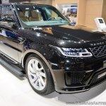 2018 Range Rover Sport at Dubai Motor Show 2017 three quarters