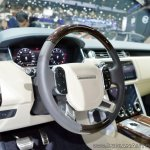 2018 Range Rover at Dubai Motor Show 2017 steering wheel