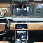 2018 Range Rover (facelift) SVAutobiography Dynamic dashboard at 2017 Dubai Motor Show