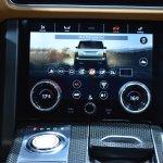 2018 Range Rover (facelift) SVAutobiography Dynamic lower screen at 2017 Dubai Motor Show