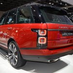 2018 Range Rover (facelift) SVAutobiography Dynamic rear three quarters left side at 2017 Dubai Motor Show