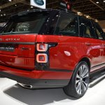 2018 Range Rover (facelift) SVAutobiography Dynamic rear three quarters right side at 2017 Dubai Motor Show