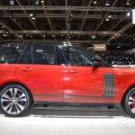 2018 Range Rover (facelift) SVAutobiography Dynamic right side at 2017 Dubai Motor Show