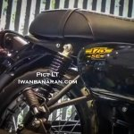 Kawasaki W175 SE spotted at dealership toolbox