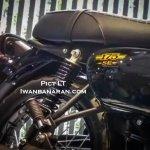 Kawasaki W175 SE spotted at dealership toolbox