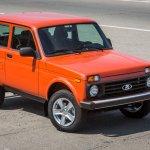 Lada 4x4 (Lada Niva) 3-door front three quarters