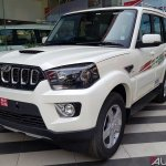 Mahindra Scorpio 2017 facelift front three quarters