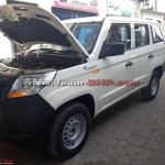 Mahindra TUV300 Plus front three quarters spy shot
