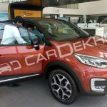Renault Captur front three quarters right side India dealership