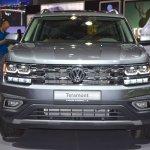 VW Teramont front at 2017 Dubai Motor Show.JPG