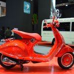 Vespa 946 RED right side at 2017 Thai Motor Expo