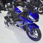 Yamaha R15 v3.0 front three quarters right side