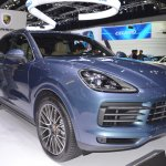 2018 Porsche Cayenne S front three quarters at 2017 Thai Motor Expo
