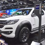 Chevrolet Colorado Centennial Edition front three quarters left side at 2017 Thai Motor Expo