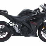 2018 Yamaha YZF-R25 Black press right side