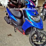 Aprilia SR 125 spied Blue front right quarter