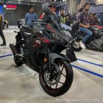 2018 Yamaha YZF-R3 Black front at 2018 Auto Expo