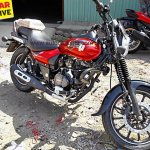 Bajaj Avenger 180 Street spied again Red front right quarter