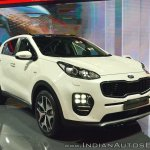 Kia Sportage front three quarters at Auto Expo 2018