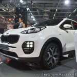 Kia Sportage front three quarters left side at Auto Expo 2018