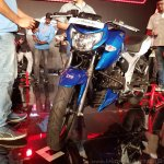 2018 TVS Apache RTR 160 4V India launch Blue front