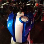 2018 TVS Apache RTR 160 4V India launch Blue fuel tank
