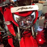 2018 TVS Apache RTR 160 4V India launch Red headlamp