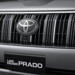 2018 Toyota Land Cruiser Prado (facelift) radiator grille