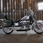 Harley-Davidson Deluxe press with accessories
