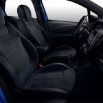 Renault Captur S-Edition front seats