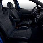 Renault Captur S-Edition front seats