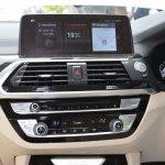 2018 BMW X3 Mineral White centre console