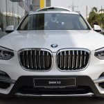2018 BMW X3 Mineral White front