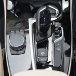 2018 BMW X3 Mineral White transmission tunnel