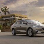 2018 Ford Focus Sedan front three quarters