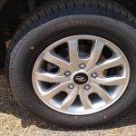 2018 Mahindra XUV500 facelift alloy wheel