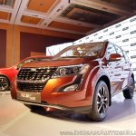 2018 Mahindra XUV500 facelift front three quarters low