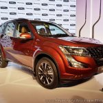 2018 Mahindra XUV500 facelift front three quarters