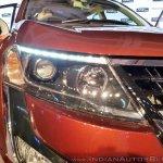 2018 Mahindra XUV500 facelift headlight