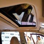 2018 Mahindra XUV500 facelift sunroof