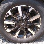 2018 Mahindra XUV500 facelift two-tone alloy