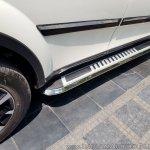2018 Mahindra XUV500 side step