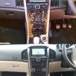2018 Mahindra XUV500 vs 2015 Mahindra XUV500 centre console