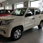 Mahindra TUV300 Plus spotted at a dealership